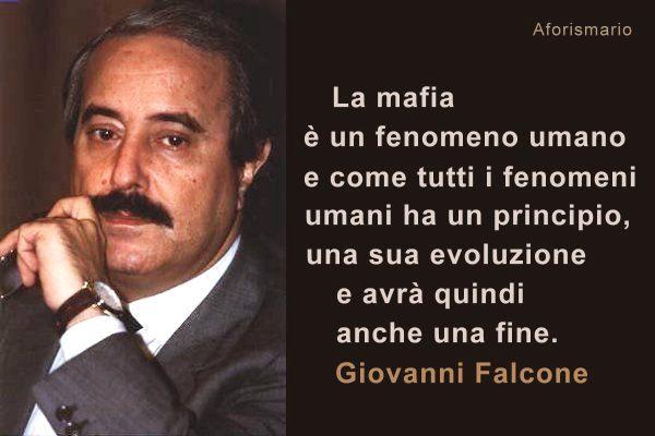 Moriva oggi Giovanni Falcone, eppure vive.